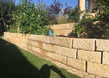 Gartenmauern 79