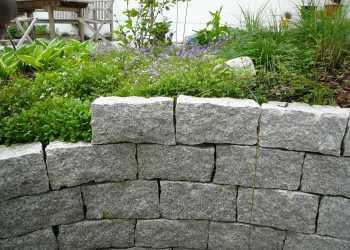 Gartenmauern 24