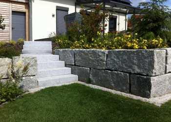 Gartenmauern 76