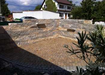 Gartenmauern 52