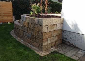Gartenmauern 64